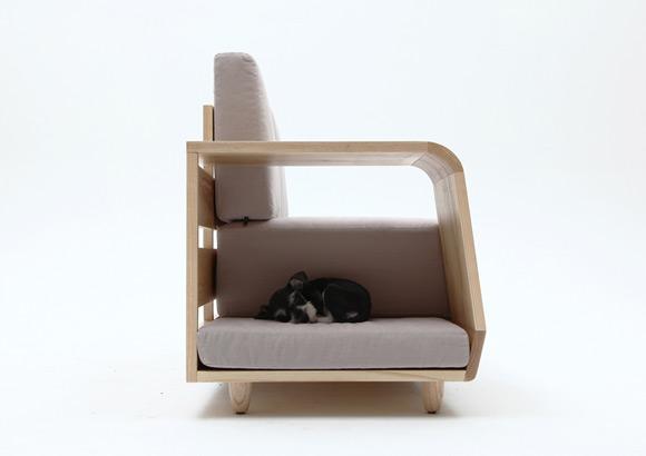 《主人与宠物都可以温馨享受的沙发》