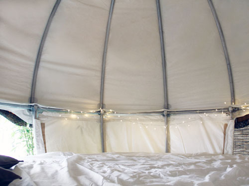 《假日的浪漫之旅 悬挂的卧室帐篷》