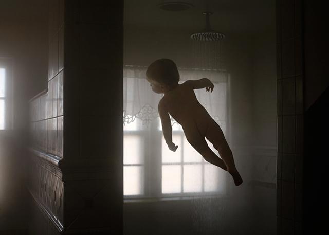 《儿童创意摄影之变成超人的梦想 孩子是会飞的天使》