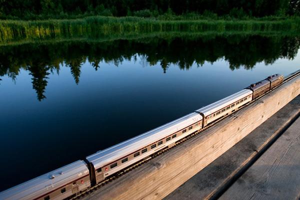 《童话般的火车之旅 美丽的加拿大》
