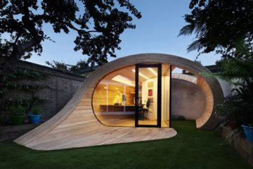 仿佛是飘落到后院的房屋 卷曲的空间创意