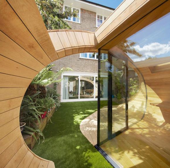《仿佛是飘落到后院的房屋 卷曲的空间创意》